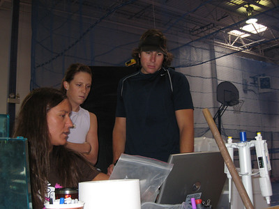 Team physiologist Leslie Shooter working with Lindsay Lloyd and Zac Kay (credit: U.S. Snowboarding)