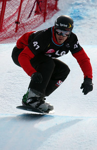 Snowboardcross qualifiers of the 2009 LG Snowboard FIS World Cup  in Stoneham, Canada. Seth Wescott  Photo © FIS – Oliver Kraus Photo may be used for editorial use only.