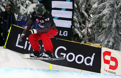 U.S. Snowboarding's Nate Holland competes in a preliminary heat of the 2009 LG Snowboard FIS World Cup at Cypress Mountain, BC. Images in this gallery may be used for editorial use only and photographer must be credited. Photo © FIS – Oliver Kraus