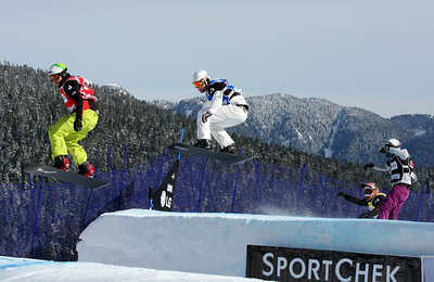 U.S. Snowboarding's Jason Smith competes in a preliminary heat of the 2009 LG Snowboard FIS World Cup at Cypress Mountain, BC. Images in this gallery may be used for editorial use only and photographer must be credited. Photo © FIS – Oliver Kraus