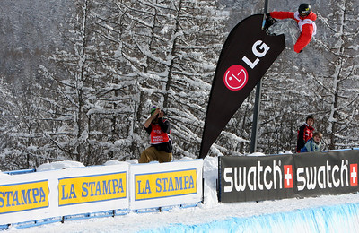 Steve Fisher competes at the 2009 LG Snowboard FIS World Cup in Bardonecchia, Italy. Images in this gallery may be used only for editorial use and photographer must be credited  Photo © FIS – Oliver Kraus