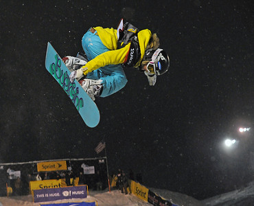Olympic champion Hannah Teter rides to second in the superpipe competition in the Sprint U.S. Snowboarding Grand Prix at Park City Mountain Resort in  Utah. (U.S. Snowboarding/Tom Kelly)