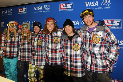 Olympic halfpipe athletes pose for a team picture including (l-r) Hannah Teter, Gretchen Bleiler, Kelly Clark, Shaun White, Louie Vito and Scotty Lago, following the halfpipe competition in the Sprint U.S. Snowboarding Grand Prix at Park City Mountain Resort in  Utah. (U.S. Snowboarding/Tom Kelly)