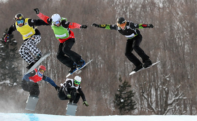 SBX World Cup Stoneham, CAN - Finals - Heat 7 Men - Nick Baumgartner (USA) in yellow, Kevin Hill (CAN) in green, Hagen Kearney (USA) in black, William Bankes (FRA) in red, David Bakes (CZE) in white Photo: Oliver Kraus/FIS - photo may be used for editorial use only
