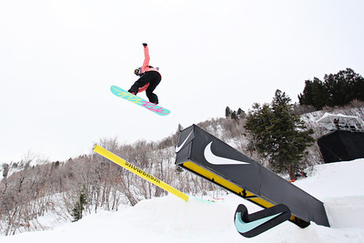 2012 Dew Tour Snowbasin  Snowboard Slopestyle Semi-Final Joanna Dzierzawski Photo: Sarah Brunson/U.S. Snowboarding