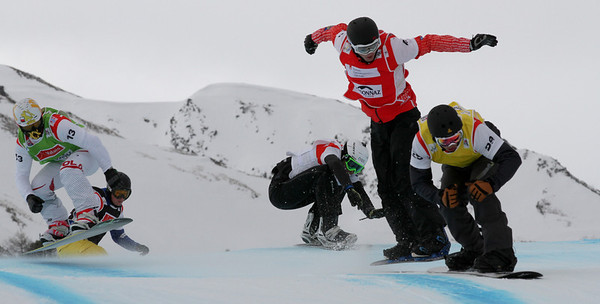 SBX World Cup Veysonnaz - Finals SBX 1 - Eight Final 4 - Men - Mateusz Ligocki (POL) in green, Ruben Arnold (SUI) in black, David Bakes (CZE) in white, Kevin Hill (CAN) in red, Jonathan Cheever (USA) in yellow Photo: Oliver Kraus/FIS Photo may be used for editorial use only.
