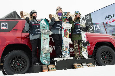 Julia Marino, Jamie Anderson and Hailey Langland Slopestyle snowboarding finals 2017 Toyota U.S. Grand Prix - Snowboarding at Mammoth Mountain, CA Photo: U.S. Snowboarding