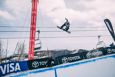 Jake Pates Snowboard halfpipe finals 2018 Toyota U.S. Snowboarding Grand Prix at Aspen/Snowmass, CO Photo: Ryan Wachendorfer // Editorial use only. For licensing please email: ryan.wachendorfer.vssa@gmail.com