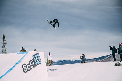 Brandon Davis X Games Aspen Photo © Ryan Wachendorfer // Editorial use only. For licensing please email: ryan.wachendorfer.vssa@gmail.com