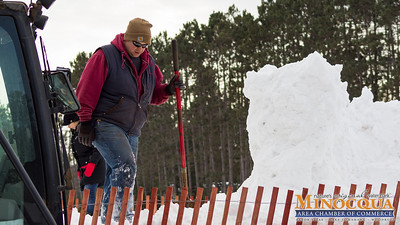 MINOCQUA CHAMBER SNOWMY KROMER BUILD DAY 1