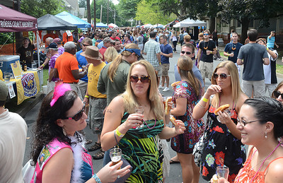 Hundreds of beer enthusiasts gathered Saturday July 21, 2012 for Selisgrove's annual brewfest.