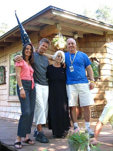 Family pose Img_1046