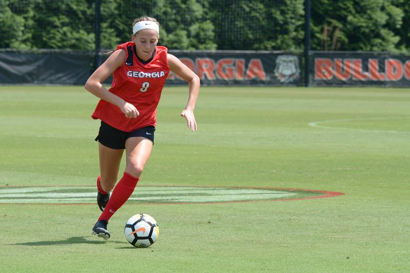 Georgia midfielder Caroline Chipman (8)  UGA Women's Soccer Team (Photo by Caitlyn Tam / Georgia Sports Communication)
