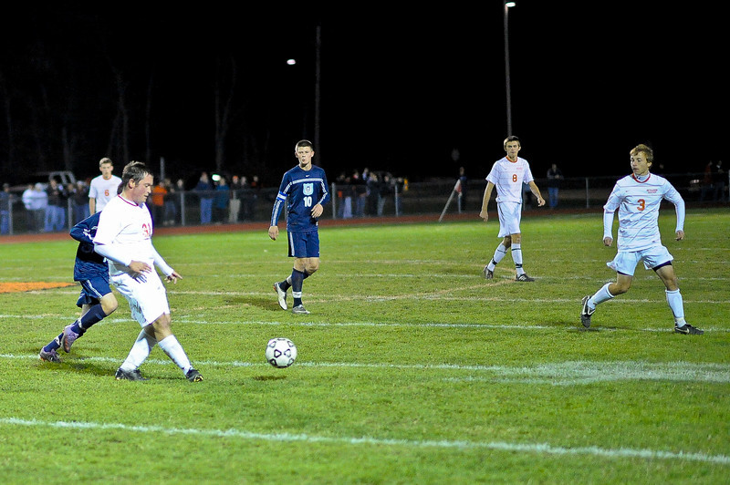 bchs boys var soc v Colonie 2010-10-19-51