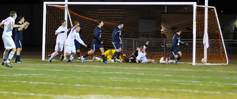 bchs boys var soc v Colonie 2010-10-19-92