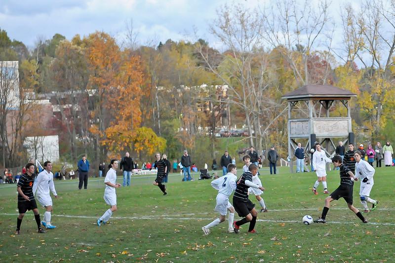 bchs boys var soc Winning Goal v Columbia 2010-10-21-9