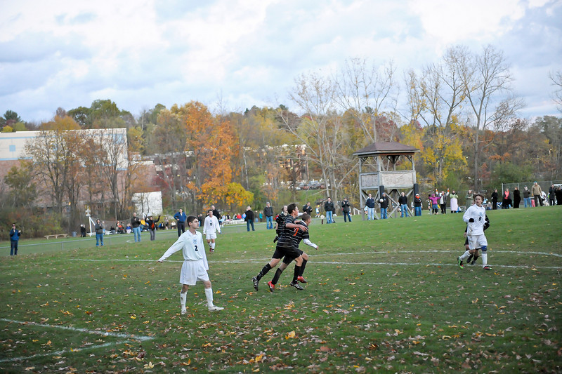 bchs boys var soc Winning Goal v Columbia 2010-10-21-34
