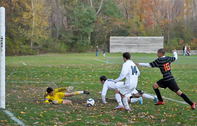 bchs boys var soc Winning Goal v Columbia 2010-10-21-24