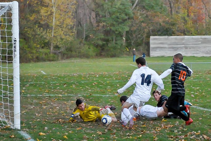 bchs boys var soc Winning Goal v Columbia 2010-10-21-25