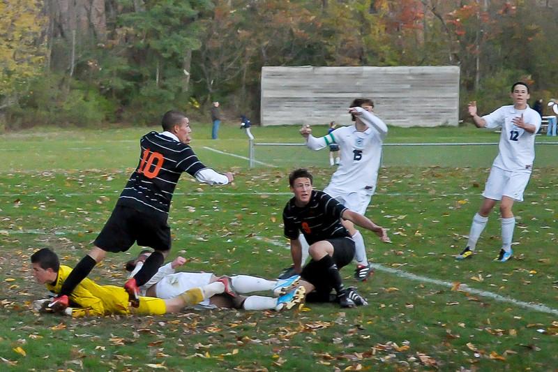 bchs boys var soc Winning Goal v Columbia 2010-10-21-30