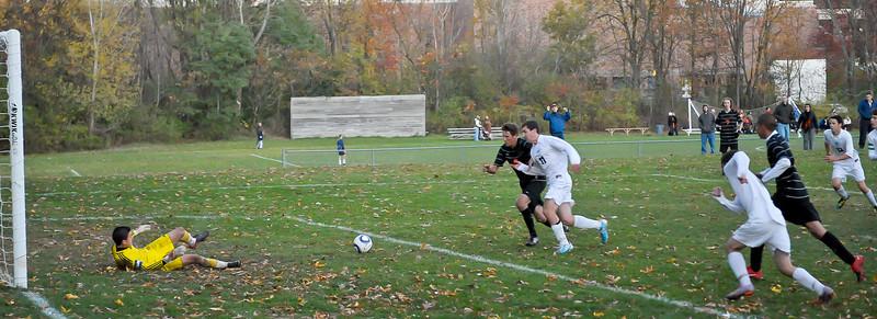 bchs boys var soc Winning Goal v Columbia 2010-10-21-19