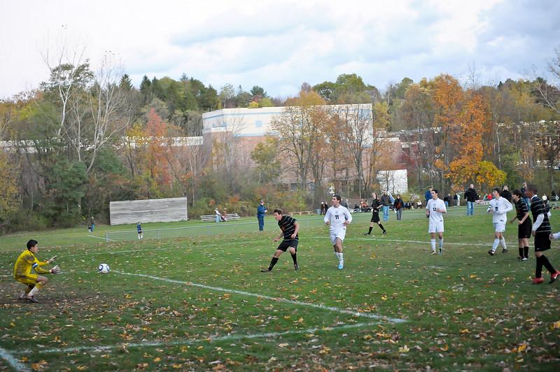 bchs boys var soc Winning Goal v Columbia 2010-10-21-14