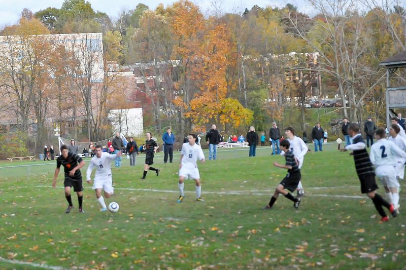 bchs boys var soc Winning Goal v Columbia 2010-10-21-10