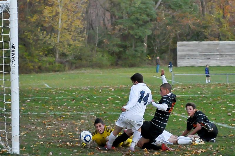 bchs boys var soc Winning Goal v Columbia 2010-10-21-26