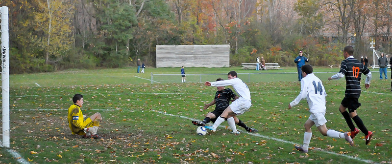 bchs boys var soc Winning Goal v Columbia 2010-10-21-21