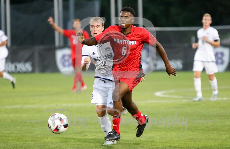 Hartford midfielder Gael Kisombe Samuna (6)