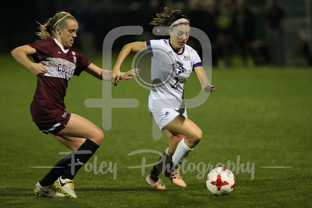 Holy Cross Crusaders Lily Puccia (2) Colgate Raiders Emily Crichlow (6)