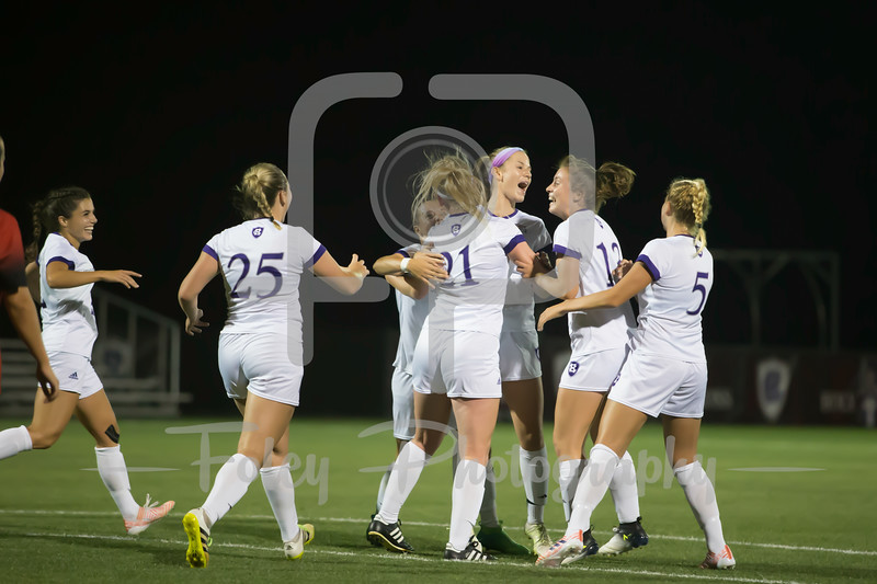 Holy Cross Crusaders Women's Soccer Team