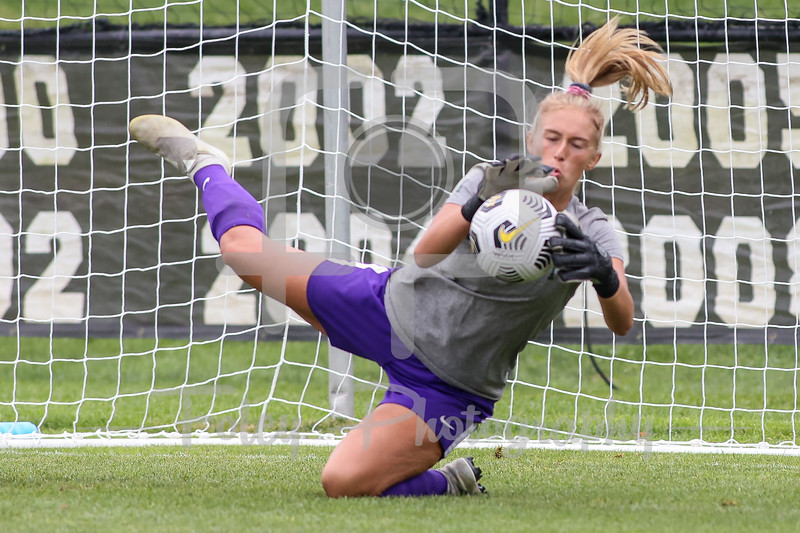 Aug. 29, 2021; Hanover, New Hampshire, USA; Vermont Catamounts goalkeeper Lydia Kessel (1)  warm up before a non conference matchup between Vermont and Dartmouth. The Big Green won the game 2-1 over the Gaels at Burnham Field. Photo by Foley-Photography.