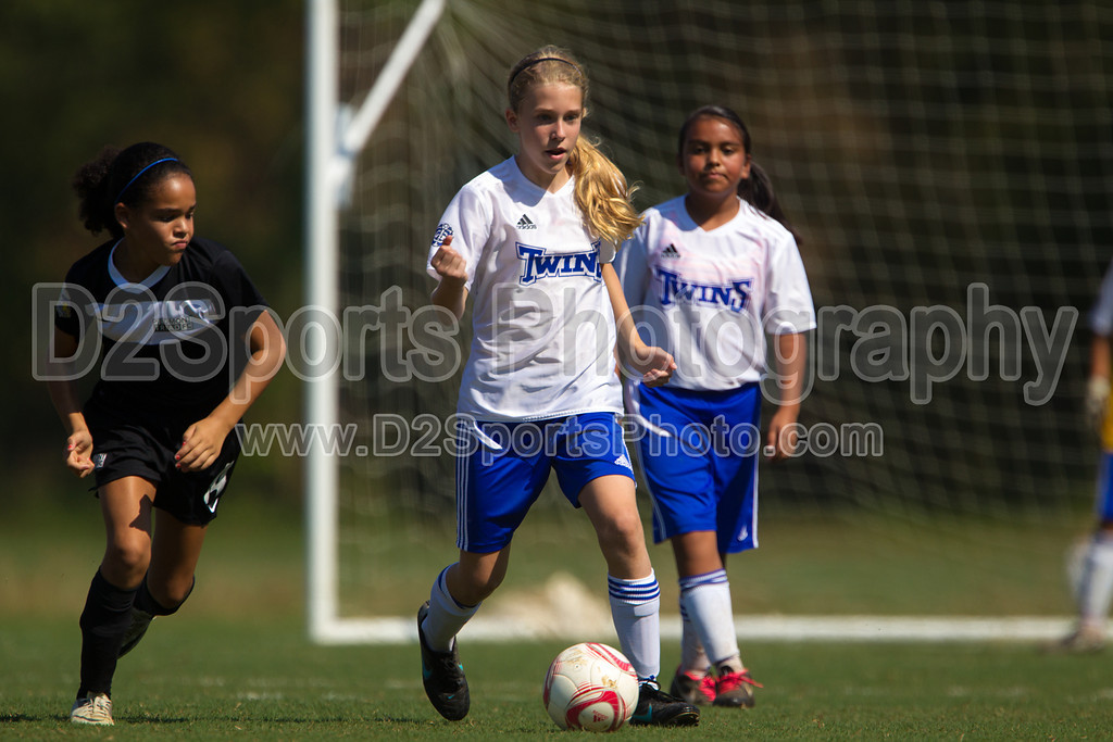 01 Lady Twins Blue vs JSC Lady Jammers Gold G<br /> Saturday, October 06, 2012 at BB&T Soccer Park<br /> Advance, NC<br /> (file 112142_BV0H4038_1D4)