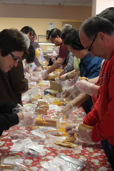 Sandwich-making_at_HWFC_GDD2014_5180
