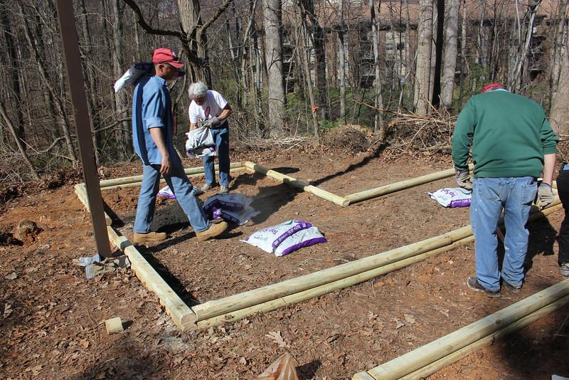 Veg-garden-builders_HWFH_GDD2014_5334