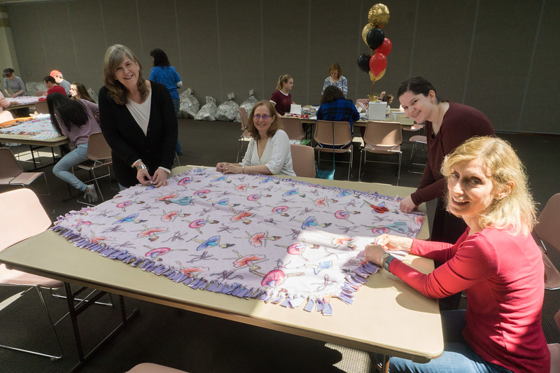2017-04-02 GDD Making kids blankets for the shelter-02109