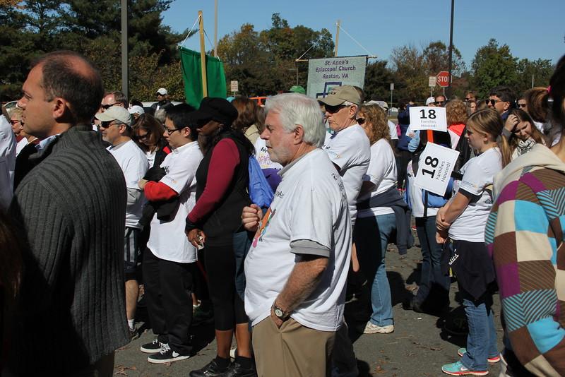 Help Homeless Community Walk-2014-10_7315