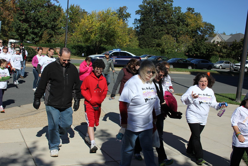 Help Homeless Community Walk-2014-10_7324