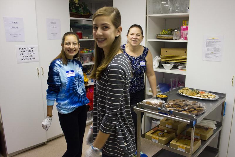 2015-12-24-Dinner for Homeless at Epiphany Episcopal-3210