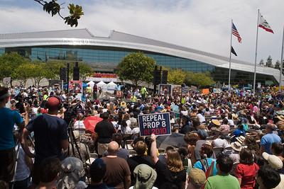 Crowd of 3,000 (LA Times estimate), facing speakers