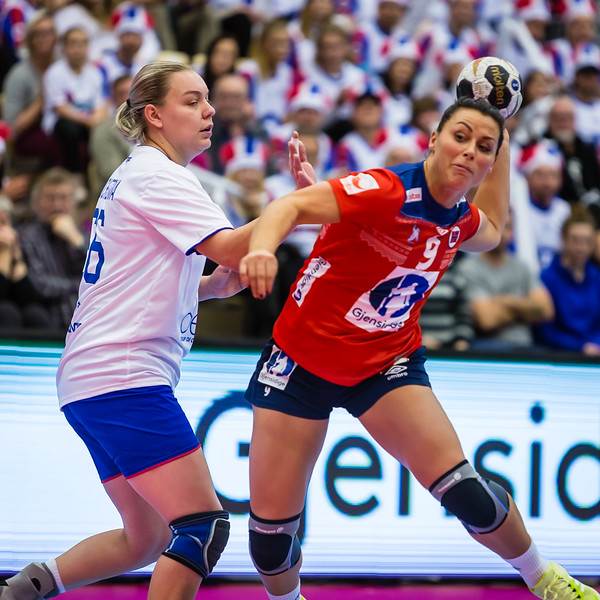 Nora Mork was the matches best player today as Norway(@handballandslagene) won 32 - 23 against Netherlands in the semi-finale of the Handball World Championships.<br /> Photo from the Møbelringen Cup against Russia.