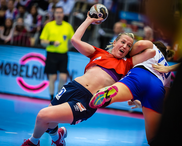 """Norway (@handballandslagene) will meet Russia in the quarter finals of the Handball World Championships. Here from their last meeting in the Møbelringen Cup, Norway's Heidi Løke in a clinch with Russia's Mayya Petrova. More photos on my website here <a href=""""http://bit.ly/mcup2017"""">http://bit.ly/mcup2017</a>"""