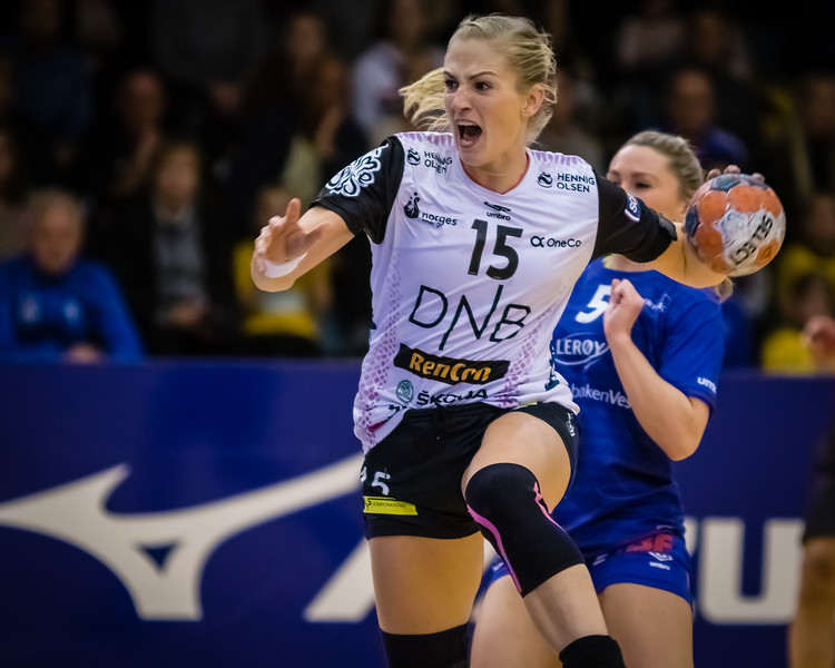 Tertnes (@tertneshandballelite) had a great game tonight against the table leaders Vipers (@viperskristiansand). Although the game was close, Vipers were too strong and won in the end 22 - 20. Here is Vipers' Linn Jørum Sulland (@sulland15) in action.