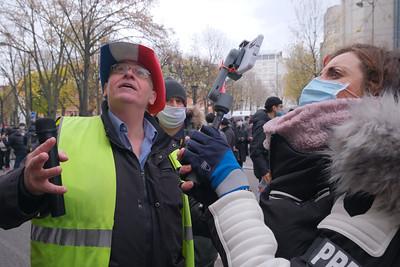 Deuxième Marche des libertés, à Paris, samedi 5 décembre 2020.