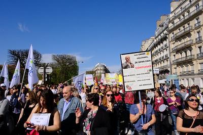 Profs et parents d'élèves sont aussi dans la rue