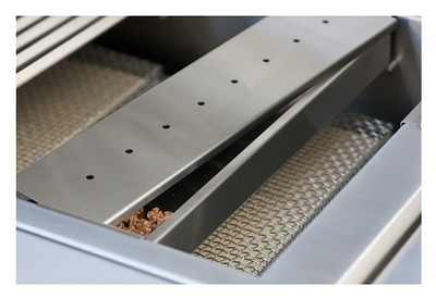 Solaire Wood Chip Smoker Box. Model: SOL-IRWS-BQ