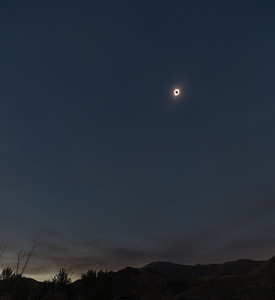 Total eclipse, wide angle view