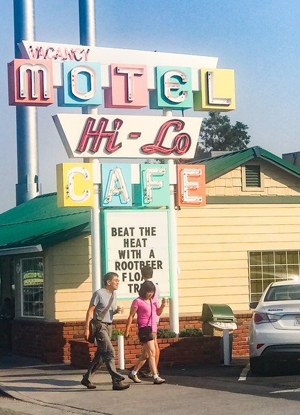 Hi-Lo Motel & Cafe