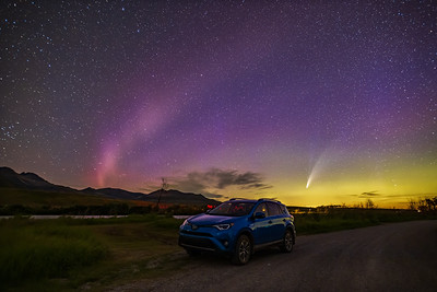 Car, Comet and STEVE Under the Stars